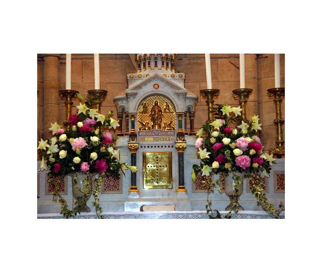 D coration d 39 glise 14 france fleurs for Decoration eglise
