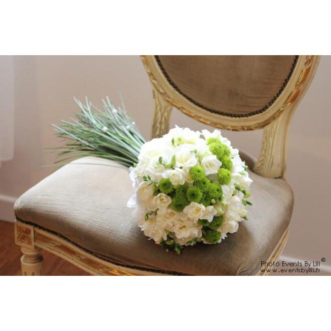 bouquet de mari e 8 fleurs mariage france fleurs. Black Bedroom Furniture Sets. Home Design Ideas