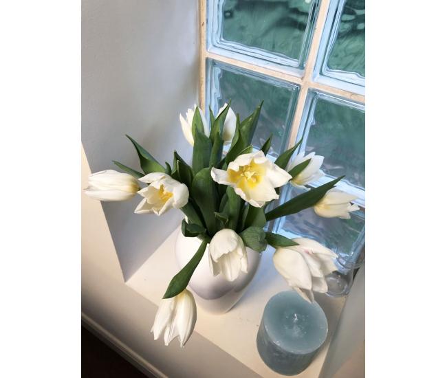 tulipes blanches livraison de fleur coup e france fleurs. Black Bedroom Furniture Sets. Home Design Ideas